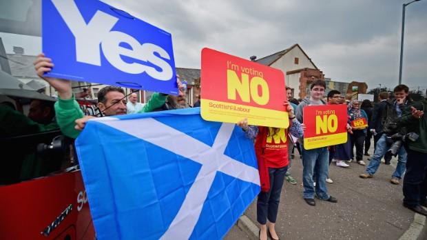 Pound slides on Scottish uncertainty